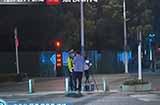 苏州开出首张电动自行车超速罚单,对车速超过 15km/h 的电动自行车进行监测